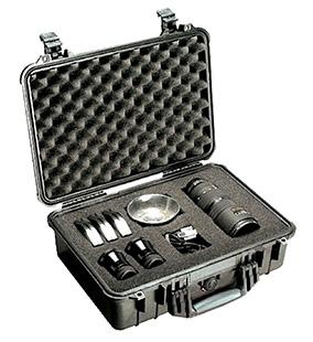 Pelican 1500 Protector Medium Case Polypropylene Black 18.5 x 14.06 in.  x 6.93 in.  (Exterior) in.